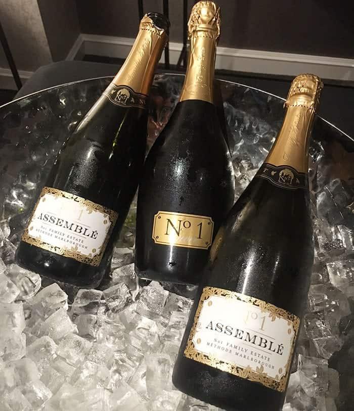 Cordis Club Lounge wine