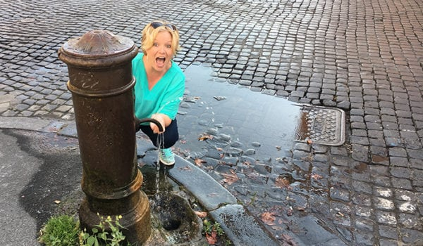 How to drink water from fountains in Rome