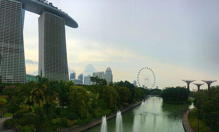 Marina Bay sands walkway to gardens by the bay