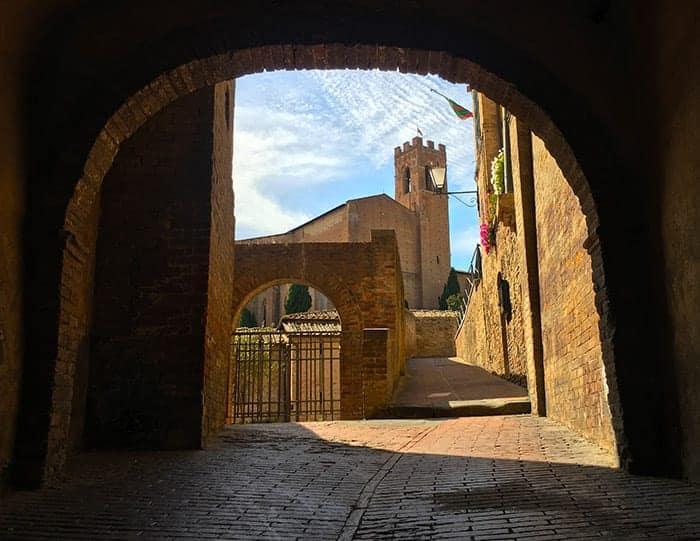 Siena archways