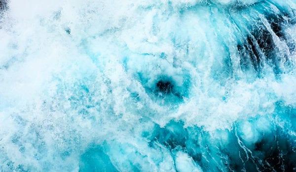Tasman sea frothy waves