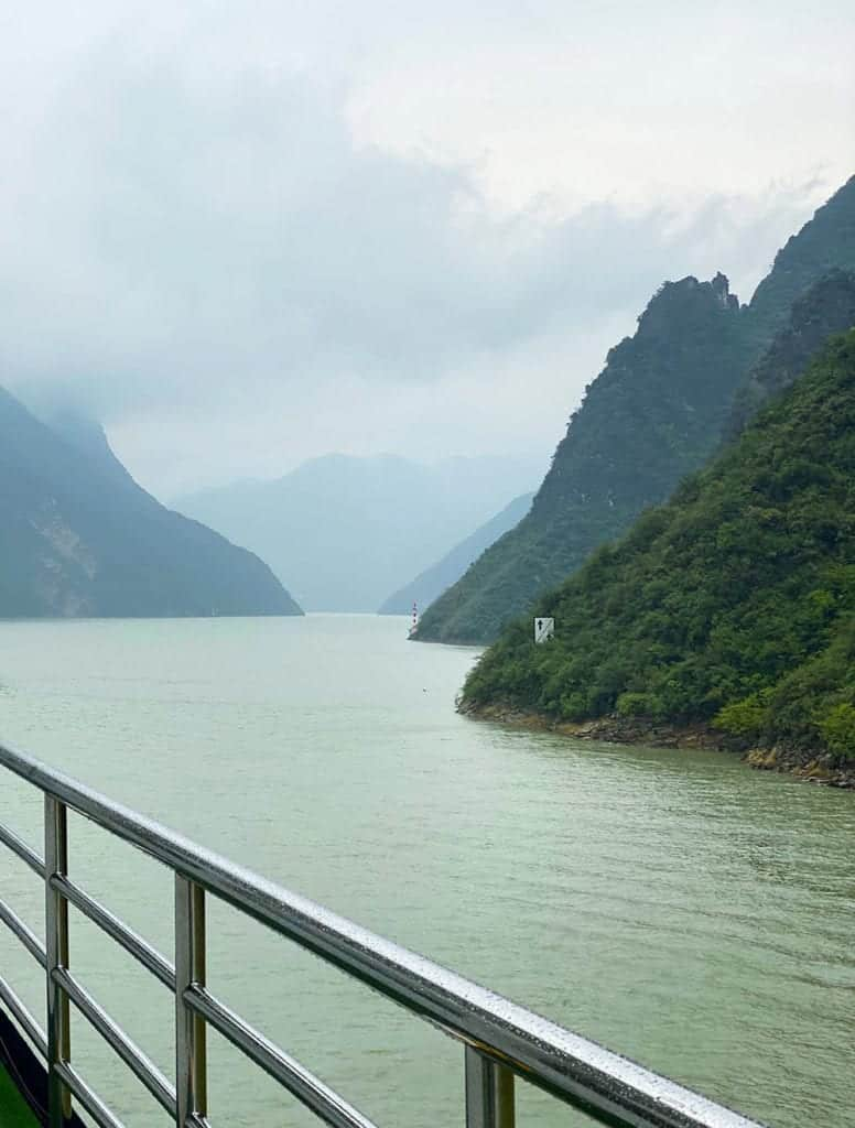 Cruising along the Yangtze
