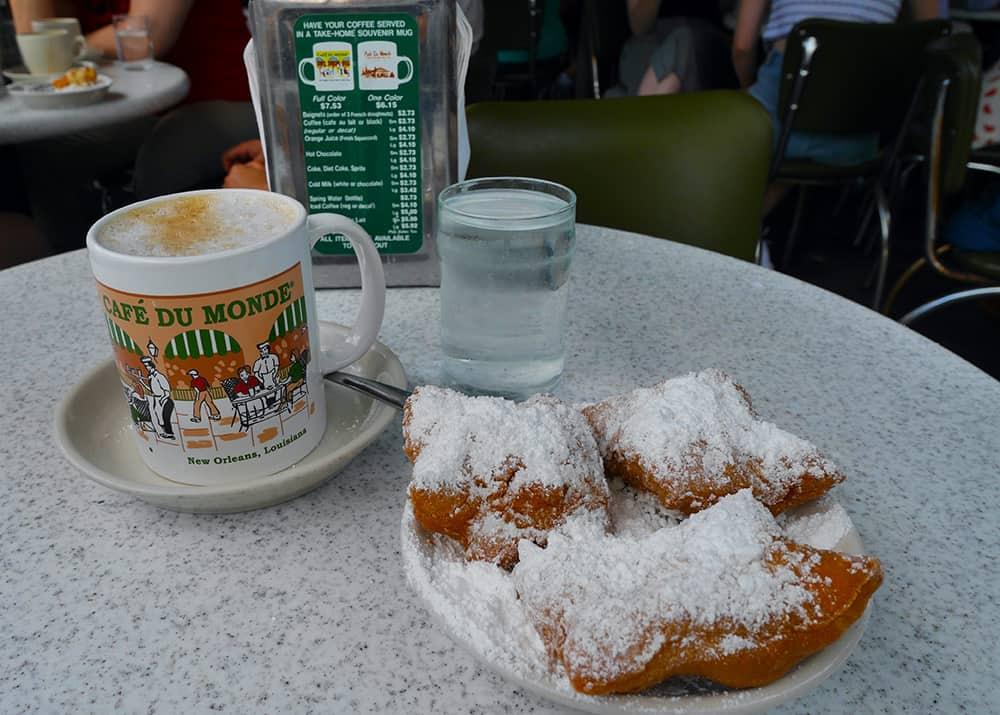 warm beignets at Cafe du Monde