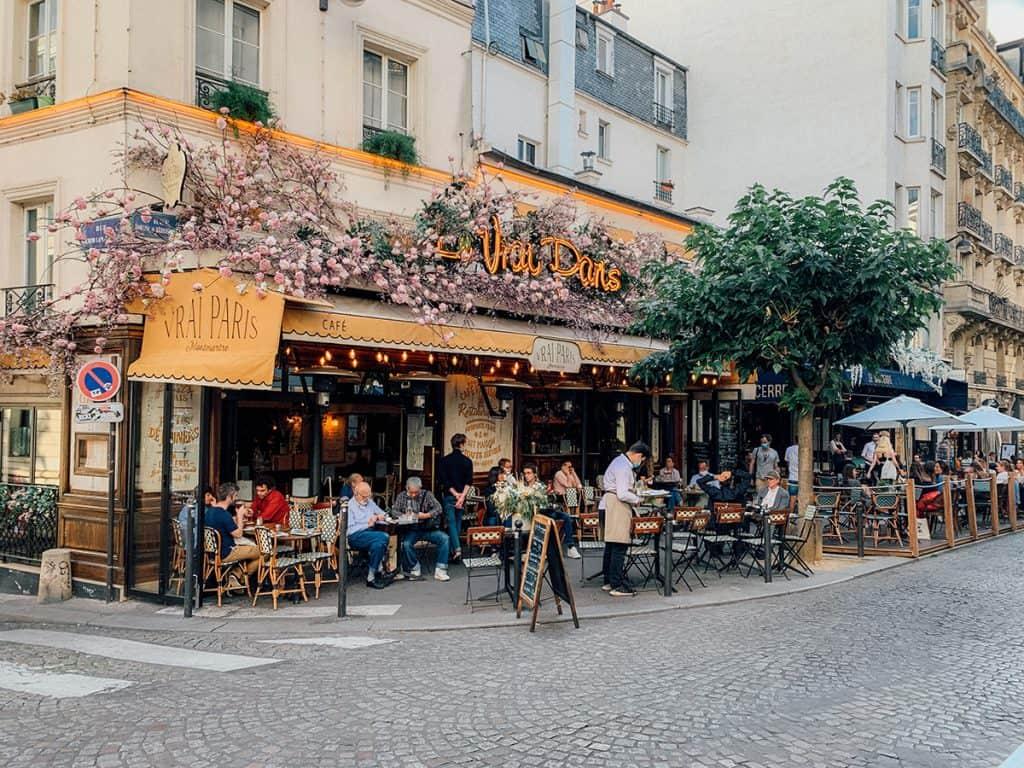 street cafes in Paris