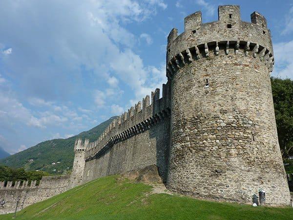 Castle Grand