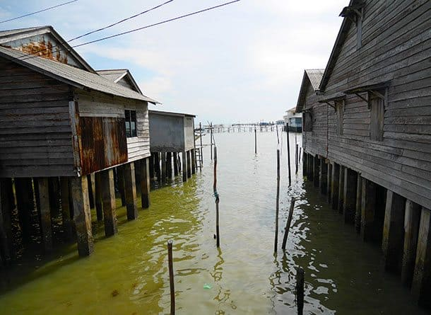 fishing-village-high-tide