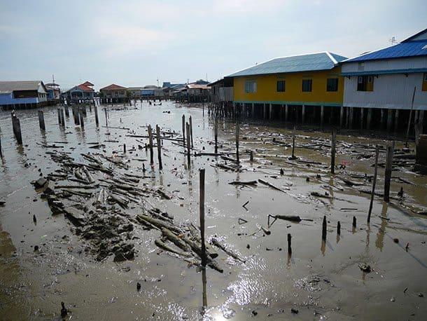fishing-village-low-tide