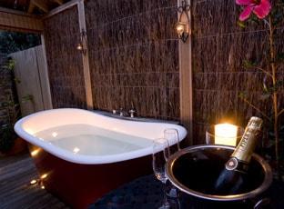 Flagstaff lodge outdoor bath
