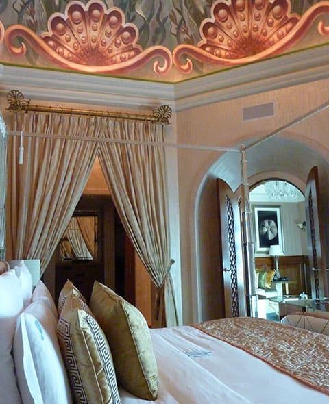 Atlantis the Palm VIP suite bedroom