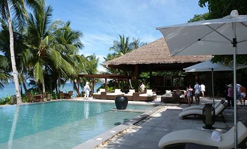 Pangulasian Island pool
