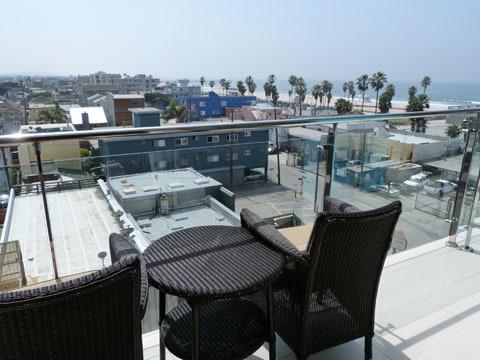 Erwin hotel balcony