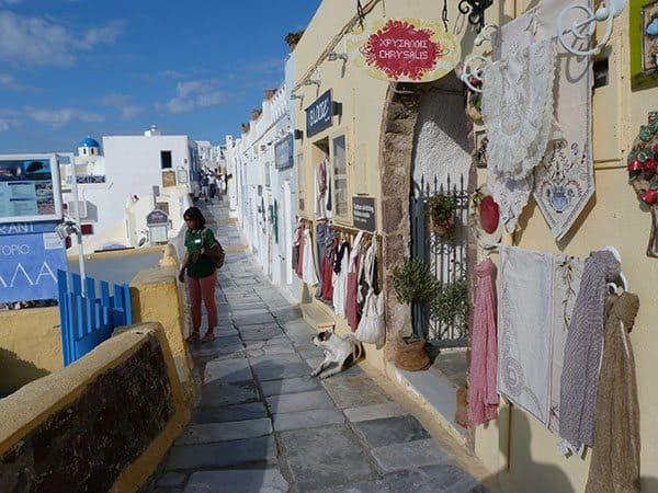 Shopping in Oia