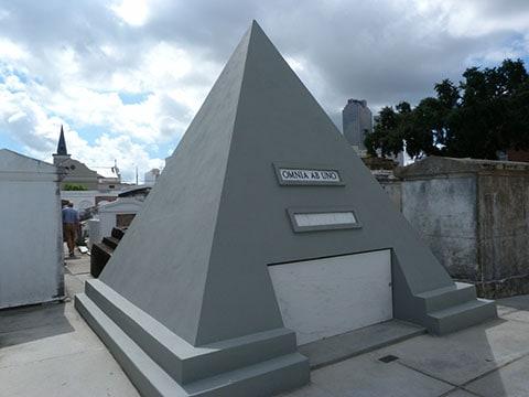 St Louis cemetery Nicholas Cage