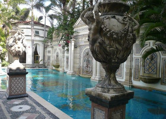 A peek inside gianni versace 39 s miami mansion blogger at for Versace mansion miami tour