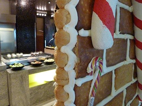 Westin Dubai gingerbread