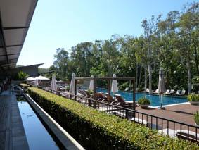 byron-pool