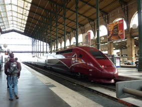 Fast-as Thalys rocket train reaches Paris